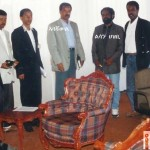 "Journalists Dawit Isaak (first right) and Fessehaye ""Joshua"" Yohannes (second right) and others with Isaias Afeworki (third right), president of Eritrea. Foto: ?"
